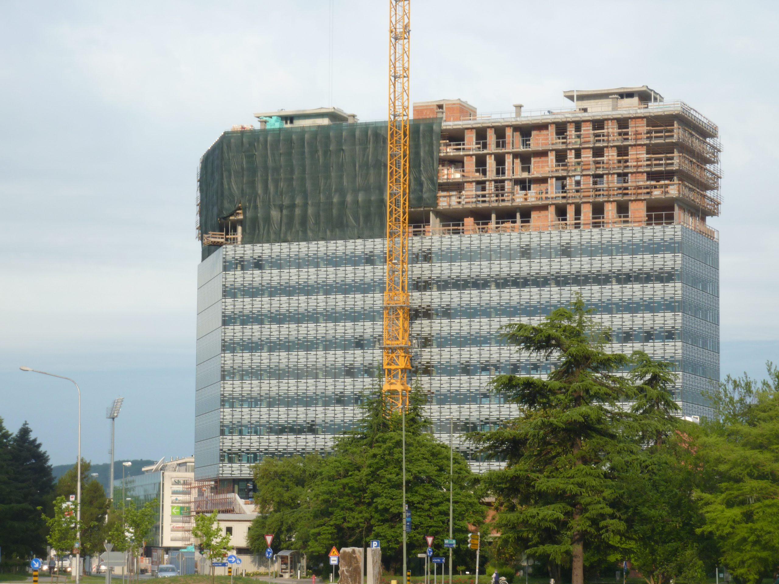 SPIT projektiranje, Poslovno stanovanjski objekt EDA center v Novi Gorici